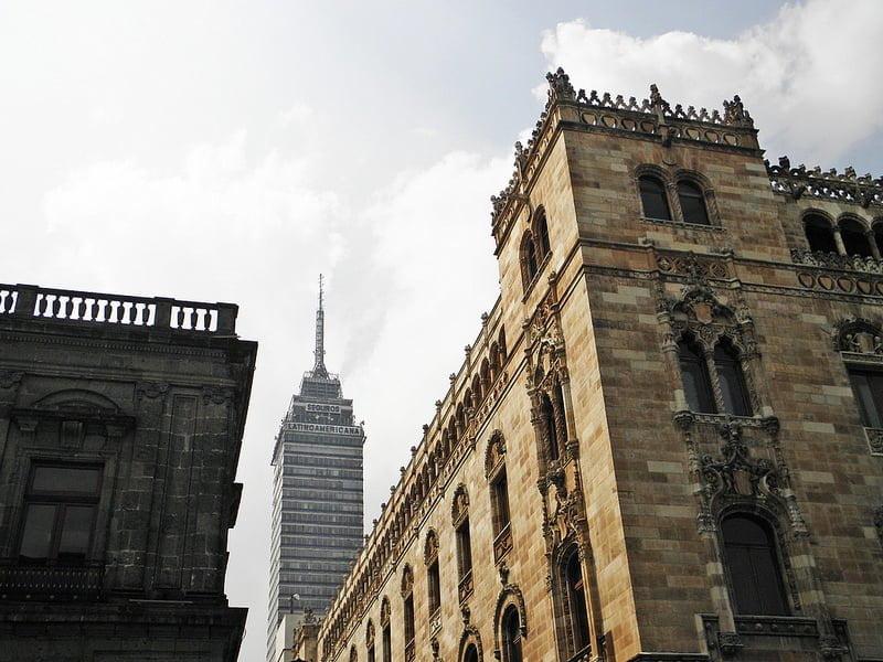 Photo:La torre desde La Calle de Tacuba By:Alveart