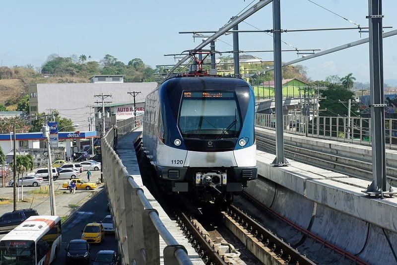 Photo:Estacion 12 de Octubre, Metro Panama By:mariordo59