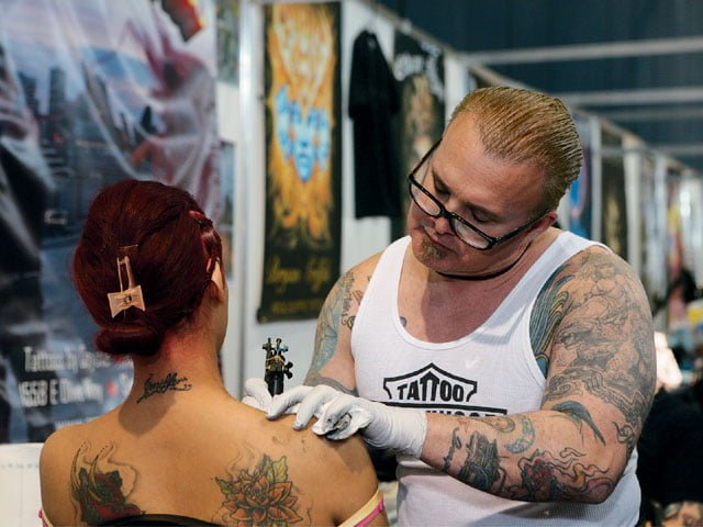 lrap_0809_09_z+tattoo_expo_monterrey_mexico+chest_tattoo