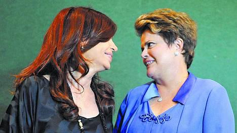 Acuerdo-Cristina-Kirchner-Rousseff-Cumbre_CLAIMA20120619_0029_29